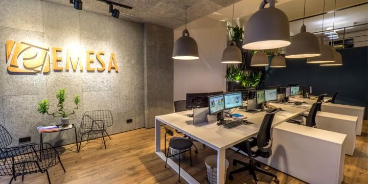 Proyecto emesa iluminaci n de dise o y eficiente para una for Oficinas de diseno y arquitectura