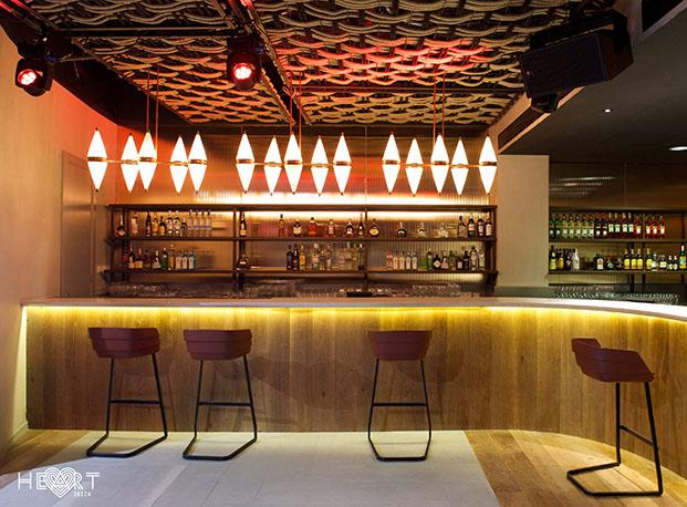 proyecto de iluminación arquitectural en HEART IBIZA , arquitectura de Patricia Urquiola