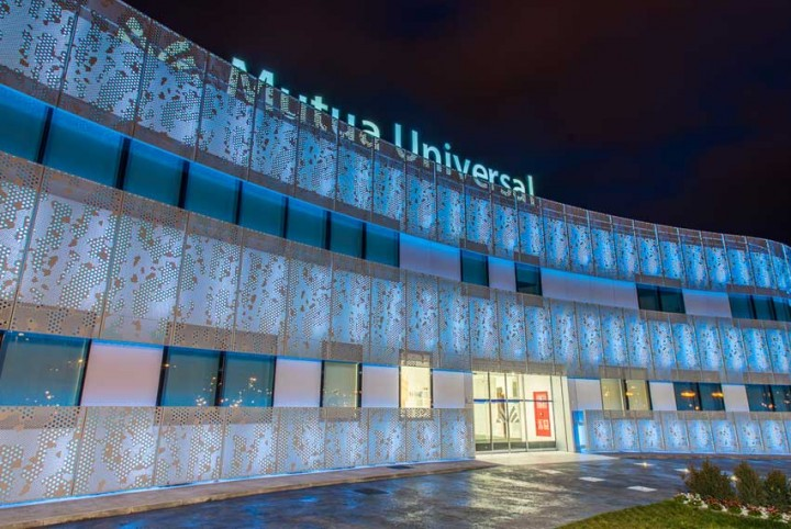 MUTUA-UNIVERSAL9