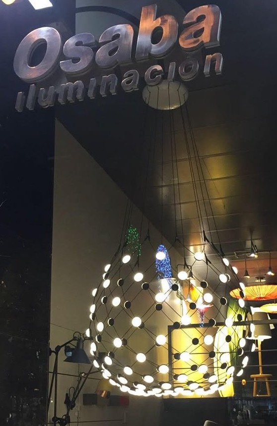 Imagen de la lámpara Mesh de Luceplan en nuestro showroom